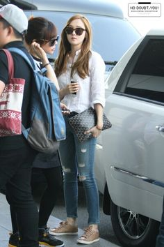 140522 jessica's airport fashion