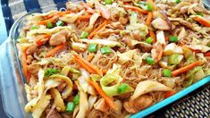 The Best Filipino Pansit Recipe Ever - Favorite Recipes - Delicious Easy and Practical Recipes Philapino Recipes, Asian Recipes, Vegetarian Recipes, Cooking Recipes, Ethnic Recipes, Asian Foods, Guam Recipes, Dinner Recipes, Banana Recipes