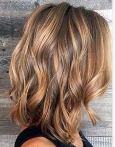 Honey blond lob
