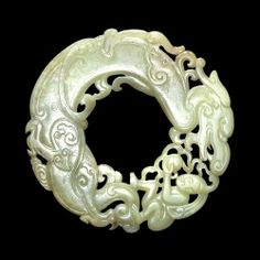 Archaistic jade ring / pendant. Ming dynasty, 15th-16th century AD ...