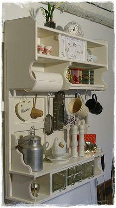 Antique Kitchen Decor, Primitive Kitchen Decor, Rustic Kitchen, Kitchen Interior, Vintage Kitchen, Farmhouse Decor, Kitchen Design, Furniture Makeover, Diy Furniture