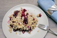 Beeren-Crumble mit kernigen Haferflocken - Gaumenfreundin - Foodblog mit gesunden Rezepten