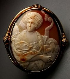 Italian cameo brooch, ca. 1850, of the Cumaean Sibyl