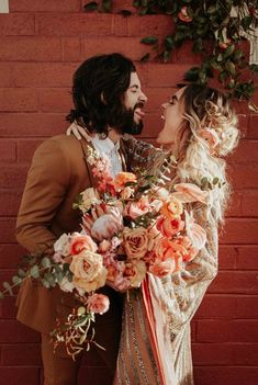 Funny Wedding Photos Goofy couple moment featuring this beautiful peachy-orange bridal bouquet Romantic Weddings, Unique Weddings, Small Weddings, Wedding Bouquets, Wedding Flowers, Boho Flowers, Wedding Fotos, Destination Wedding, Wedding Day