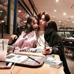 My daughter and her boy. Cute Couples Goals, Couples In Love, Couple Goals, Couple Ulzzang, Ulzzang Korean Girl, Relationship Goals Pictures, Cute Relationships, Boy And Girl Friendship, Korean Best Friends