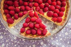 Tarta z budyniem i malinami Raspberry, Strawberry, Cake Cookies, Fruit, Cooking, Recipes, Food, Pizza, Pies