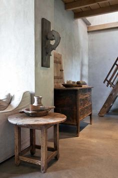 Rustic Home Interiors, Wabi Sabi, Rustic Chic, Beautiful Interiors, Entryway Tables, Interior Decorating, Interior Design, Scale, Sweet Home