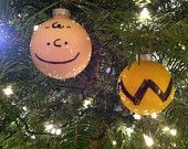 Charlie brown ornaments... cute!