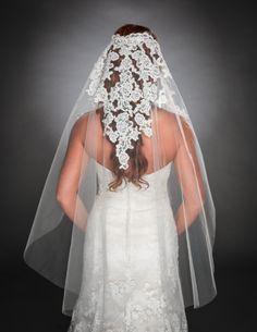 gorgeous new veil for your ultimate ensemble!