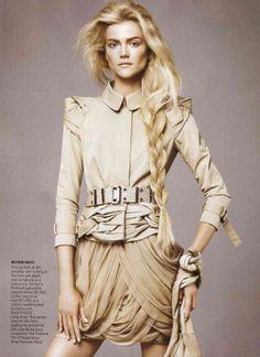 ☆ Kasia Struss | Photography by David Sims | For Vogue Magazine US | January 2010 ☆ #kasiastruss #davidsims #vogue #2010