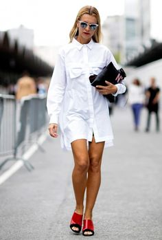 The 25 Best Street Style Snaps From Paris Fashion Week: Natalie Joos proves that less is more. And she's wearing my new Ray Ban Clubmasters! Look Fashion, Paris Fashion, Fashion Outfits, Dress Fashion, Fashion 2014, Fashion Photo, Fashion Ideas, Classic White Shirt, Camisa Formal