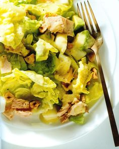 Butter lettuce and tuna salad with pear dressing