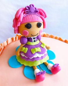Titti Cake Studio: Lalaloopsy Ruffle Rainbow Cake...Cassy will looooove this!!
