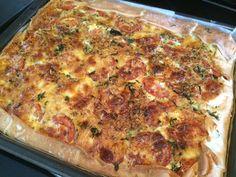 Hartige taart (quiche) met kip en Italiaanse kruiden