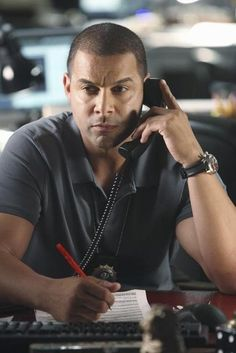 Jon Huertas aka Detective Esposito Wearing his Ball Watch Co. Dive Watch on the hit show Castle on ABC