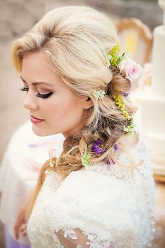 Acconciatura meravigliosa per la sposa! http://www.matrimonio.it/collezioni/acconciatura/