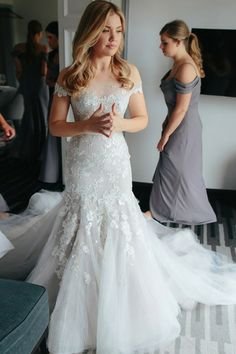 Sheath Off-the-Shoulder Court Train Tulle Wedding Dress with Appliques