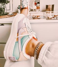 VSCO is a creative channel. Jordan Shoes Girls, Girls Shoes, Mode Ootd, Cute Sneakers, Tennis Sneakers, Summer Sneakers, Nike Tennis, Nike Shoes Air Force, Tennis Shoes Outfit