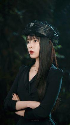 Photo album containing 157 pictures of IU Korean Actresses, Korean Actors, Iu Hair, Luna Fashion, Actrices Hollywood, Korean Celebrities, Mode Outfits, Ulzzang Girl, Korean Singer