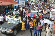 Foto Crónica de Jara: Creyentes La Victoria caminan en procesión conmemorando a San Antonio de Padua