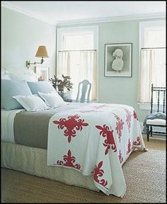 Love the Hawaiian quilt!