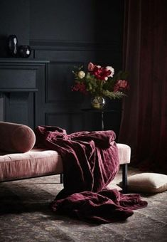 The Big Velvet Home Trend If there's one texture that will add an air of opulence and elegance to a room it has to be Velvet with its tactile qualities and luscious good looks. It's been growing in popularity for the past few years and this year it's set Interior Design Trends, Interior Design Minimalist, Interior Decorating, Simple Interior, French Interior, Interior Modern, Minimalist Decor, Room Inspiration, Interior Inspiration