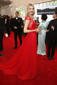 Lily Donaldson in Topshop at the 2015 Met Gala. Click to see more red carpet style from this year's event. (Photo: Josh Haner/The New York Times)