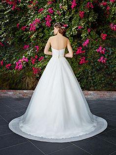 Moonlight Tango T770 strapless tulle ball gown with sleek mikado bodice.   #ballgown #wedding #weddingdress #bride