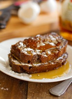 Gingerbread French Toast - Pinch of Yum Breakfast or dessert. What's For Breakfast, Breakfast Dishes, Breakfast Recipes, Christmas Breakfast, Christmas Morning, Breakfast Healthy, Christmas Sweets, Morning Breakfast, Perfect Breakfast