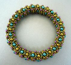 Glass/seed bead bracelet tutorial.