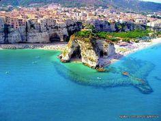 Coast in South Italy - Tropea via @AmzEarthPics