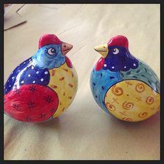 #sberna #art #pottery #ceramics #deruta #madeinitaly #love #handmade #drawing #handpainted #handcraft #colours #mix #couple #family #cartoon #chicken