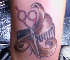 If I were a hair dresser, I would get a tattoo similar to this. Cosmetology Tattoos, Hairdresser Tattoos, Hairstylist Tattoos, Hair Tattoos, Time Tattoos, New Tattoos, Sleeve Tattoos, Tatoos, Scissors Tattoo