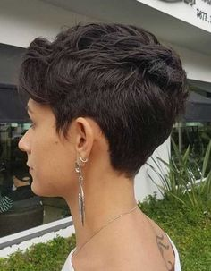 Women's Short Textured Tapered Cut You are in the right place about curly hair cuts pixie Here we of Short Layered Haircuts, Best Short Haircuts, Short Hairstyles For Women, Layered Hairstyles, Pixie Cut Back, Short Hair Cuts For Women Pixie, Halle Berry Hairstyles, Short Wedge Hairstyles, Brown Hairstyles