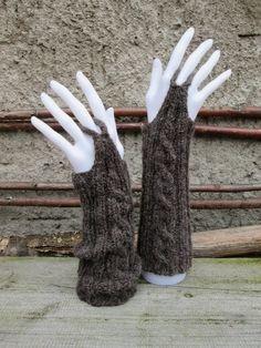 stricken - anleitung kostenlos - hand- armstulpen mit zopfmuster aus lana grossa alta moda alpaka - by leekay.de