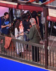 LEAKED PHOTO of Alia Bhatt and Amitabh Bachchan engrossed in a scene during Brahmastra shooting goes viral Amitabh Bachchan, Upcoming Films, Ranbir Kapoor, Hindi Movies, Alia Bhatt, Bollywood News, Green Shirt, Dimples