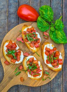 Tomato Mozzarella And Basil Bruschetta - tomatoes - fresh basil - extra virgin olive oil - balsamic vinegar - fresh mozzarella - baguette Beef Recipes For Dinner, Mexican Food Recipes, Italian Recipes, Chicken Recipes, Cooking Recipes, Recipes With Basil, Tomate Mozzarella, Tomato Basil Mozzarella, Bruschetta Recipe With Mozzarella