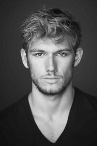 """Alexander Richard """"Alex"""" Pettyfer (born 10 April is an English actor and model. Alex Pettyfer appeared in school plays and on televi. Pretty People, Beautiful People, Beautiful Person, Amazing People, Raining Men, 50 Shades Of Grey, Fifty Shades, Charlie Hunnam, Christian Grey"""