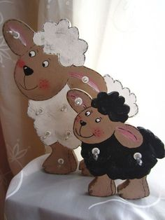 There are two little sheep here! Mother and child . The little sheep is on . There are two little sheep here! Mother and child . The little sheep is attached to the big sheep. Diy Wooden Projects, Small Wood Projects, Wooden Crafts, Diy And Crafts, Craft Projects, Crafts For Kids, Arts And Crafts, Transfer Images To Wood, Farm Quilt