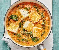 Palak paneer with tomato and halloumi (recipe in swedish) Vegetarian Recepies, Raw Food Recipes, Veggie Recipes, Wine Recipes, Indian Food Recipes, Asian Recipes, Cooking Recipes, Healthy Recipes, Palak Paneer