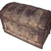 A vintage leather trunk evokes the aura of world travel by the jet set of a bygone era. They are a practical piece of personal history that can be used to create your own memories or to become a keepsake decorative element for your home. Leather trunks can be found in antique shops, yard sales and flea markets at all different price points, but the...