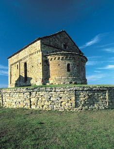 La pieve romanica di Bergolo #church #castle #museum #piemonte #italy  #provinciadicuneo