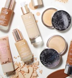 Find your perfect natural foundation. Posted on May 13, 2017 Written by: 100% PURE® Whether you want a sheer, barely-there makeup look, a hydrated glow with light coverage, or medium to full coverage, we've got what you need. Our fruit pigmented natural foundations also offer a variety of different finishes: dewy, satin, or matte. Normal to oily, combination, or normal to dry skin types can all find the perfect match in one o...