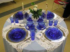 Blue Depression glass found on Michigan Depression Glass Society Blue Table Settings, Beautiful Table Settings, Place Settings, Blue Dishes, Glass Dishes, Cobalt Glass, Cobalt Blue, Deco Table, A Table