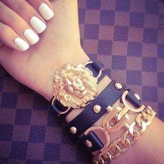 short a. white nails