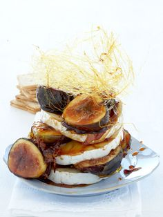 Decadent Camembert With Caramelised Figs
