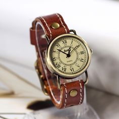Retro Leather Watch Vintage Style Wrist Watch (WAT00232)
