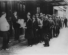 Great Depression Food Line - ...at times the tinner in the dining hall was created so we felt like this!