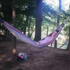 Hammock relaxation #postkayak #hammock #hammocklife #inlove #theoldcornfield #taketimetorelax by @kayeldoubleyou