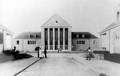Festspielhaus a Hellerau Central Hall, Modern Architecture, Mansions, House Styles, Building, Outdoor, Image, Wikimedia Commons, Modernism